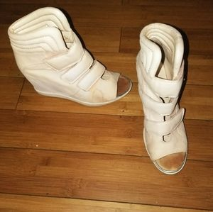 Genuine Leather Nude color Sneaker Wedge sz 9.5